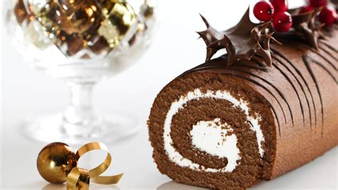 Mary Berry's Yule log | Good Food Channel